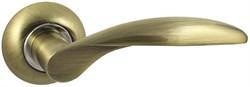 Дверная ручка Винтаж V20Q AL на круглой розетке AB бронза - фото 19257
