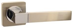 Дверная ручка Винтаж V07D AL на квадратной розетке SN матовый никель